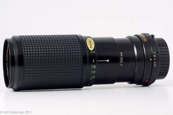 MD Zoom Rokkor-X 100-200/5.6 MD-II